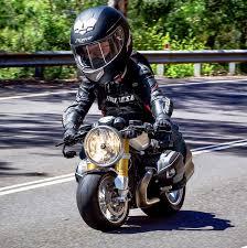 badass motorcycle art by kohlenstofffasermonster