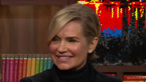 Yolanda Foster Hairstyle yolanda foster changes her name back to hadid for her kids 8556 by wearticles.com