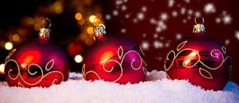Christmas Wreaths & Garlands