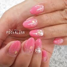 Pookaluna さんのネイルデザイン ラメ入りピンクのうる艶グラデー