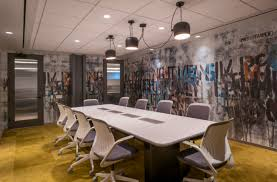 Yelp nyc office New York Life Workplace Design Trends Yelp Nyc Robin Top Nyc Workplace Design Trends 2019 Robin