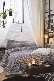 Schlafzimmer In Boho Chic Und Schwarz Weiße Bettwäsche Vintage