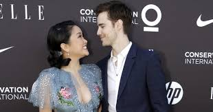 Three and a half years ago, lana condor was 18 years old and had no idea how to be famous. Who Is Lana Condor Dating Popsugar Celebrity