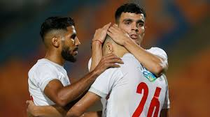 • the home design for this season consists of the club's traditional white shirt with two red stripes, in addition to a grey stripe on both sides alongside other minor details also colored grey. Zamalek 3 1 Raja Casablanca Result Summary And Goals As Com