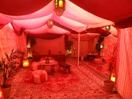 Awesome Arabian Bedroom Decor: Awesome Arabian Nights Interior Design  Photos With Capret Puff Chairs Metal