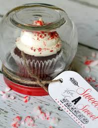 cupcake gift jar gifts in a jar that are oh so cute and easy to