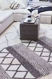 image of decorative tahari rugs