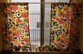 Kitchen Curtain Patterns Gorgeous Vintage Button Kitchen Curtains AllFreeSewing