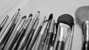 the plete guide to cleaning your make up brushes and what not to do