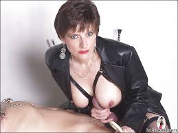 Showing Porn Images for Latex mistress handjob porn www.handy.