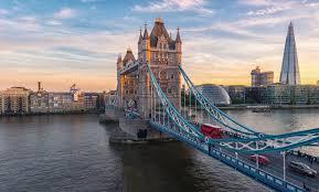 Ponadto podróżując po Londynie, absolutnie nie można pominąć Emirates Air Line.