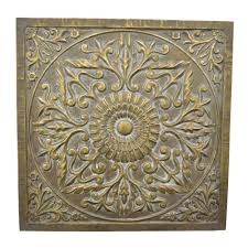 three hands square medallion wall art