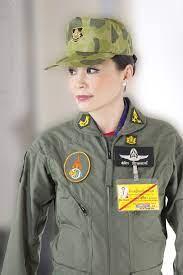 สมเด็จพระบรมราชินีสุทิดาฯ นักบินหญิงพระองค์แรก ที่ทรงฝึกเป็นนักบินขับไล่