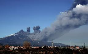 Its most recent eruptive period began in september 2013 and has continued. Mount Etna Eruption Causes Airspace Closure The Local