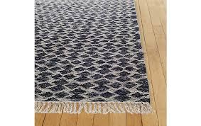 white modern rug. bow-tie kilim rug white modern