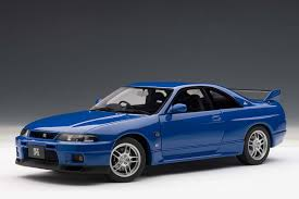 AUTOart 1:18 Scale Nissan Skyline GT-R (R33) L-M Limited, Champion ...