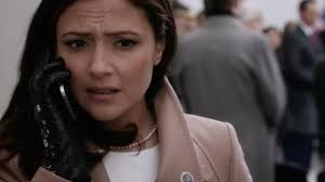 The leather gloves embroidered with Emily Rhodes (Italia Ricci) in  Designated Survivor S01E10   Spotern