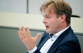 Geboren op 8 januari 1974 in den haag burgerlijke staat: And Then There Were Four Campaigning Mp Pieter Omtzigt To Contest Cda Leadership Job Dutchnews Nl