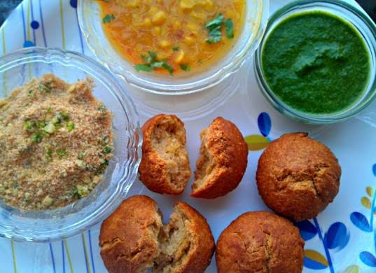 rajasthani food dal bati churma