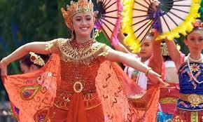 Tari merak angelo duta kab.bangli | pkb 2019 penampilan perdana parade gong kebyar anak anak duta kab.bangli pkb. Tari Merak Sejarah Fungsi Kostum Ciri Khas Beserta Penjelasannya