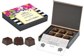 customised wedding anniversary return gifts 9 chocolate box orted cans 10 bo