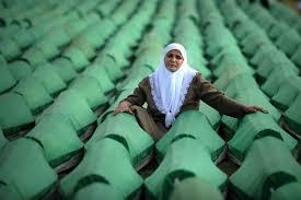 """Nurettin Canikli Twitter वर: """"Çeyrek asır geçsede insanlık tarihinin utanç  yüzü Srebrenitsa Katliamı'nın acısını halen yüreğimde hissediyor ve  lanetliyorum. Bosna Hersek'te şehit olan tüm kardeşlerimize Allah'tan  rahmet diliyorum. #Srebrenitsa ..."""
