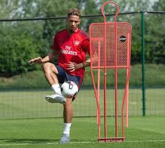 William saliba signs for arsenal | saliba arsenal instagram announcement video. Gurjit On Twitter William Saliba Training After Completing His Transfer Arsenal