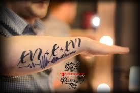 татуировка дата рождения с именем леттеринг Tattoos Tattoolife