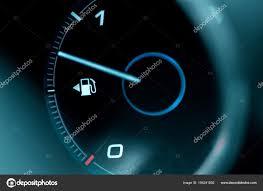 Close Up Van Het Dashboard En De Brandstof Meten In De Auto