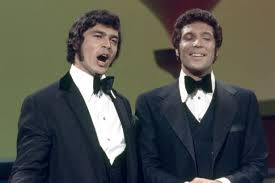 Humperdinck and his wife used to split their time between los angeles and a home in leicester. Engelbert Humperdinck Wants Peace With Tom Jones After 40 Year Silly Grudge Mirror Online