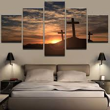 moderne toile pictures home decor wall art imprime 5 pi ces traverse au coucher du soleil peintures montagne croix paysage affiche cadre on home decor wall art au with moderne toile pictures home decor wall art imprime 5 pi ces traverse