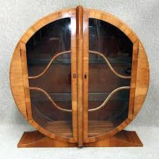 Art deco furniture Chair Designers During The Art Deco Era Used Bold Geometric Shapes Based On Traditional Forms Essentially Simplified Geometric Ornamentation The Antiques Almanac The Chic Luxury Of Art Deco Furniture