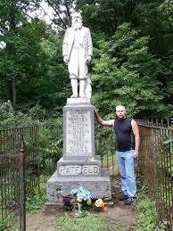 Billy Hatfield visiting the Hatfield Graveyard. | Wyoming county, Hatfield  and mccoy feud, Appalachia