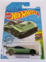 Descubra qual é melhor, assim como respectivas performances no ranking de carros esportivos. Amazon Com Hot Wheels 2019 Hw Exotics Aston Martin Vulcan 235 250 Green Toys Games