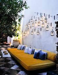 balcony wall decor