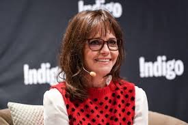 Hairstyles For Women Over 50 With Glasses Womans World