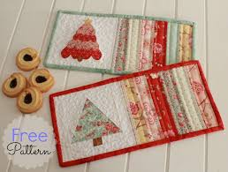 Threadbare Creations: Free Pattern- Christmas Mug Rugs & Mug ... Adamdwight.com