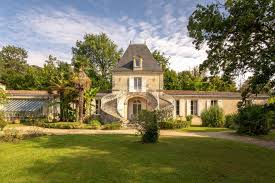 luxury house 8 rooms on bordeaux 33000