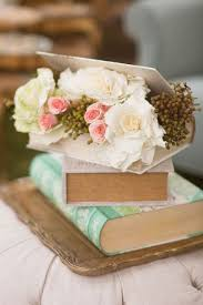 24 simple and cute book wedding centerpieces weddingomania rh weddingomania antique book wedding centerpieces old book wedding centerpieces