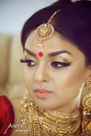 light yet flawless gorgeous makeup indian bride wearing bridal jewelry indianbridalhairstyle indianbridalmakeup indianbrida bridal inspirations in