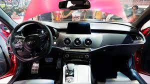 what s it like inside the kia stinger