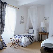 Shabby Chic Bedroom Photos And Tips For Decorating A Shabby Chic Bedroom