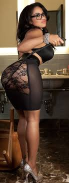 Ebony Pics With Hot Ebony Women  Sexy Black Babes  Ebony Girls EmpFlix     Ebony babe Aaliyah Envy posing in heels and getting her ass oiled up