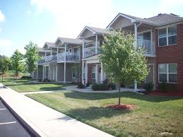 Beautiful Delaware Trace Apartments Evansville, IN   47715