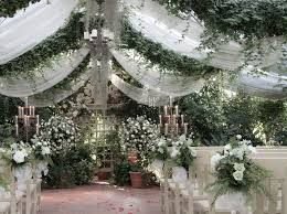 bench bouquets topiary the conservatory garden wedding venue st louis mo