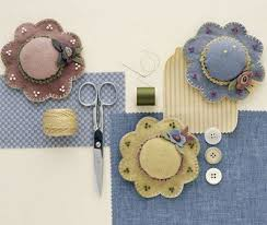 56 best Free Pincushion sewing patterns images on Pinterest | Pin ... & Cute little felt hat pincushion pattern Adamdwight.com