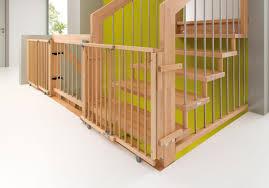 Mauern abreißen, kinder erschrecken und treppen besteigen! Kindersichere Treppen Mit Qualitats Kindersicherungen Vom Fachbetrieb