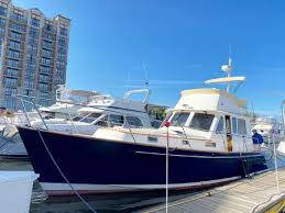 Higher performance models can accommodate motors up to 740. 40 1998 Legacy Yachts 40 Flybridge Sedan North Shore Marina