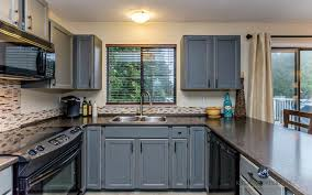 Oak Kitchen Cabinets Updated With Benjamin Moore Chelsea Gray