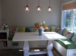 25+ Cozy Banquette Seating Ideas for Breakfast and Lunch \u2013 DECOOR